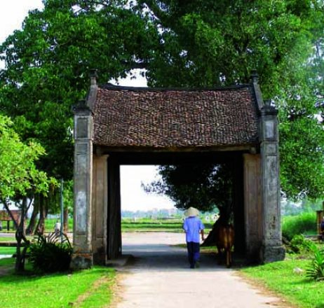 Day Trip From Hanoi to Duong Lam Ancient Village